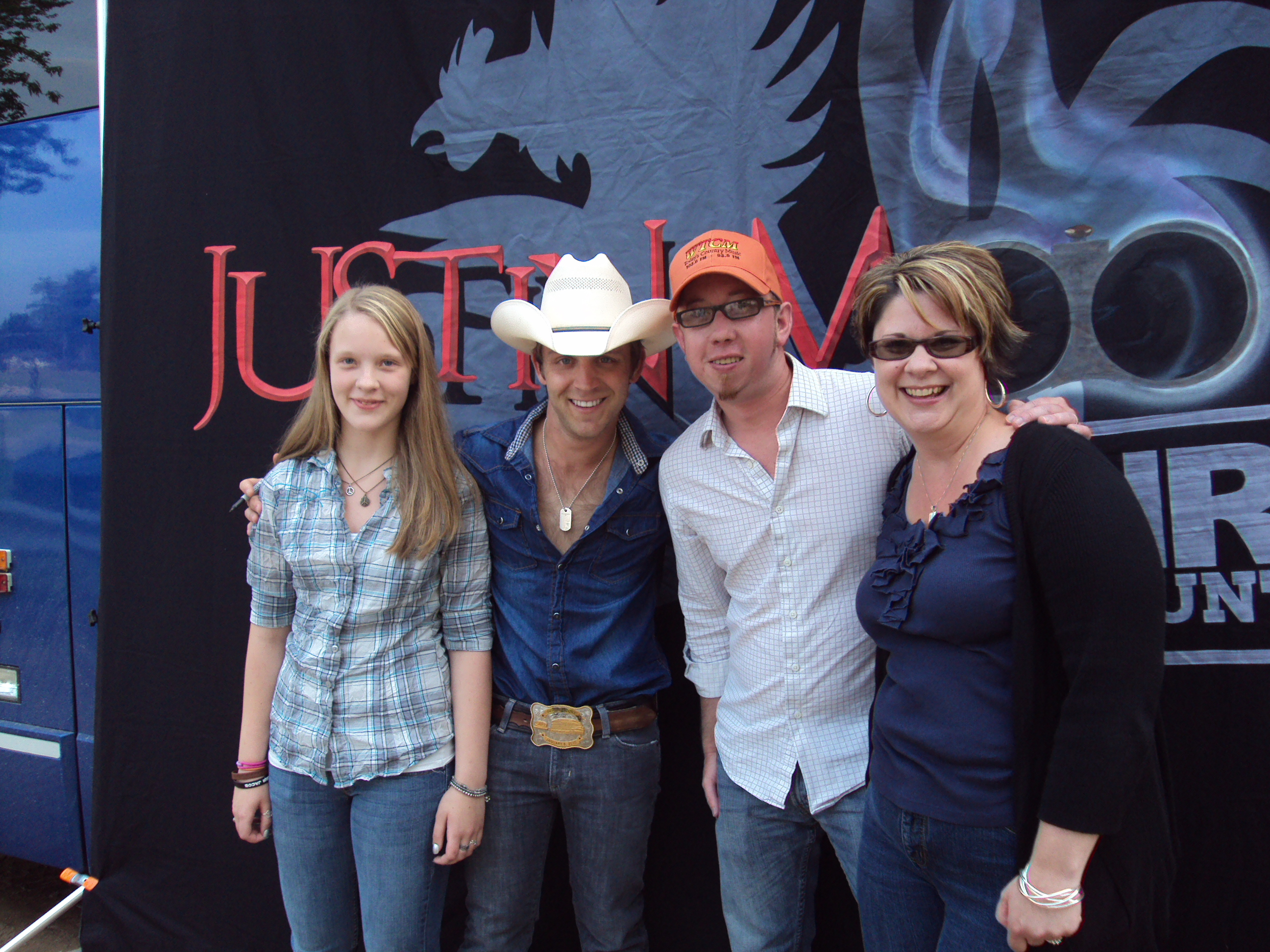 Justin Moore Visits Marion Fair Wtcm Fm Todays Country Music